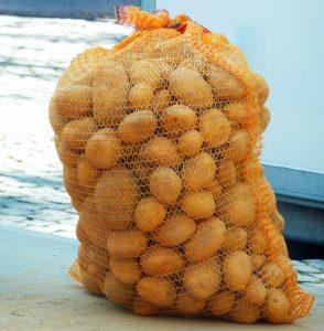 картофель можно хранить в мешках